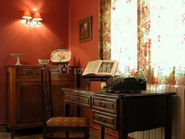 La casa de la abuela cadreita en cadreita navarra - Escritorio para escribir ...