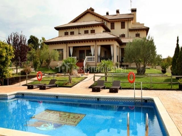 Hotel hosteria de guara en bierge huesca - Hoteles en huesca con piscina ...