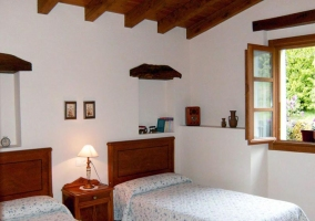 dormitorio doble blanca casa rural