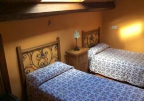 Dormitorio de estilo rústico