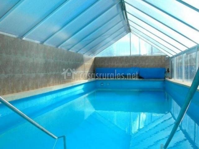 Casa rural de la hiedra casas rurales en abejar soria - Casa rural con piscina cubierta ...