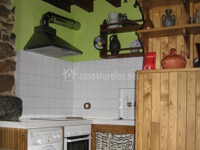 La fragua sulapena en montovo asturias - Cocina con microondas ...