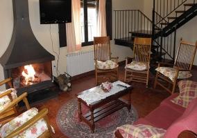 Piscina y mobiliario de jardín