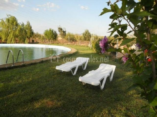 Cortijo los llanos casa principal en caniles granada for Complejo rural con piscina