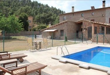 Casas rurales con piscina en sallent for Casas vacacionales con piscina