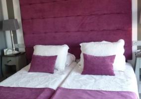Dormitorio matrimonio violeta