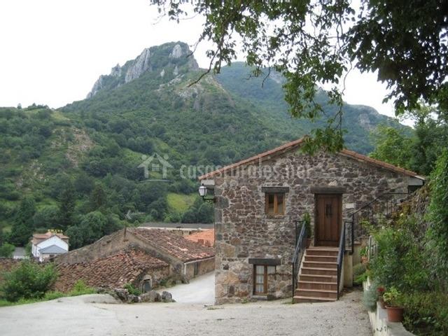 Casa pipa en pola de somiedo asturias - Casas rurales cerca de oviedo ...