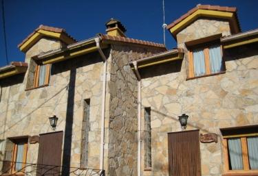 Las Casas de Isabel - Casa Eusebio y Casa Candelas - San Martin Del Pimpollar, Ávila