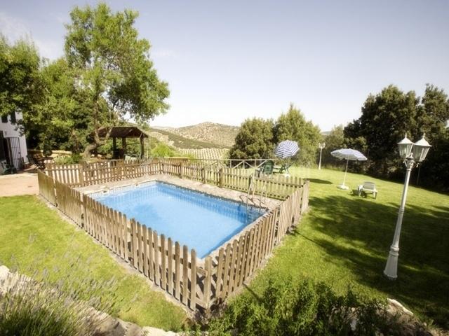 Las chorreras en illora granada for Casa rural catalunya piscina
