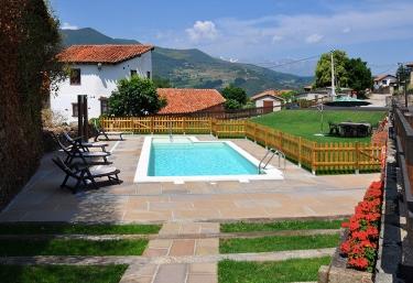 Apartamentos Los Llares - Lerones, Cantabria