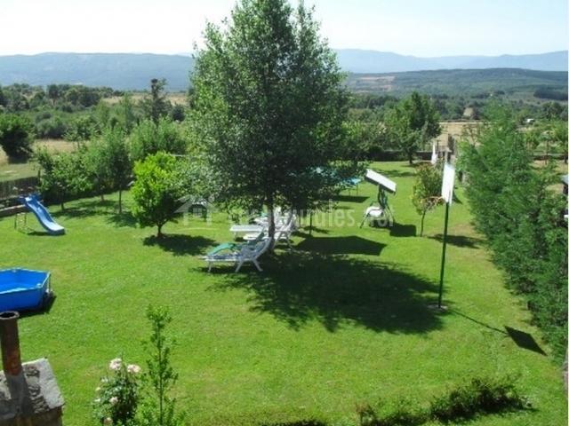 Jardín de la casa rural