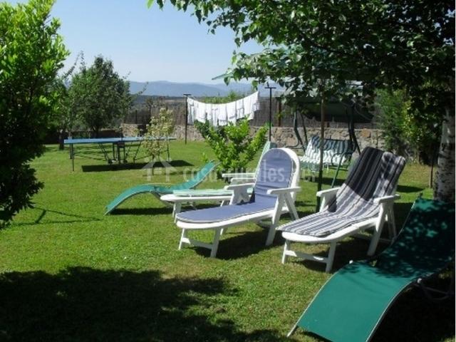 Tumbonas y muebles de jardín