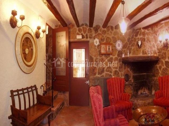 Hotel casa rural teo en huermeda zaragoza for Hoteles con chimenea
