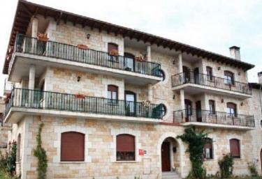 Los Pinares - Regumiel De La Sierra, Burgos