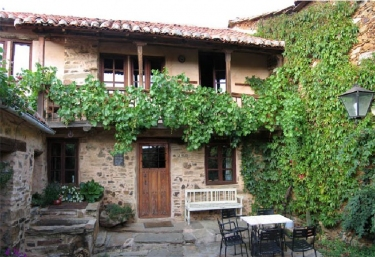 La Velada - Luyego, Leon