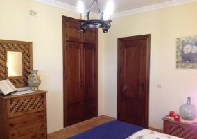 Habitacón de matrimonio con armario empotrado