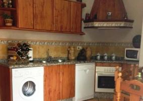 La cocina con su equipamiento