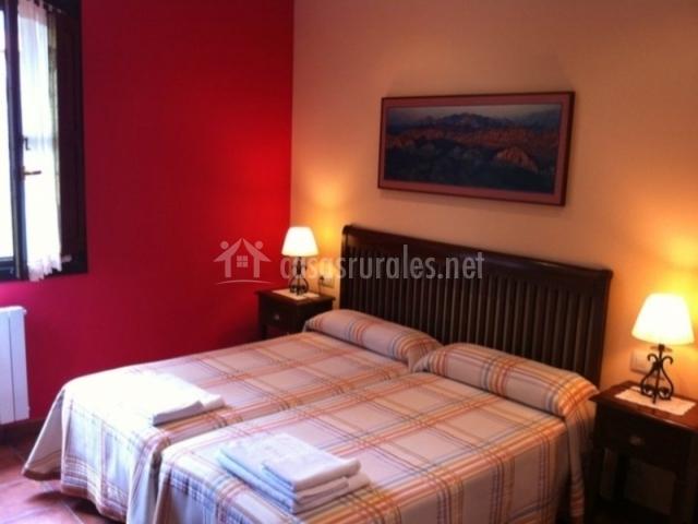 Hotel rural el texeu en llanes asturias for Llanes habitaciones