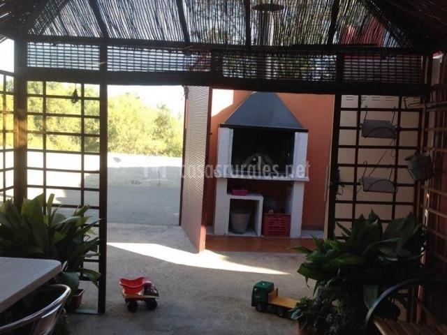 Guadalupe i en cabanas de ebro zaragoza - Patios con barbacoa ...