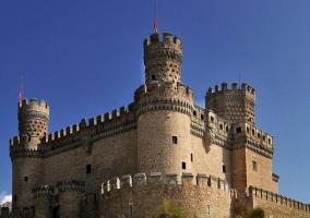 Manzanares el Real con el castillo