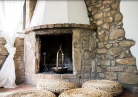 Salón con chimenea