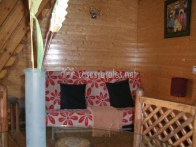 Salón de con mobiliario