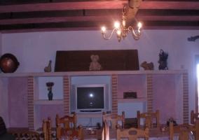 Salón con mobiliario en ladrillo