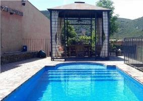 Porche y piscina Fuente Gorda