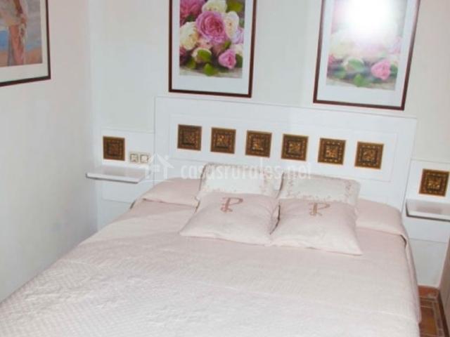 Apartamentos rurales abuela pastora apartamentos rurales for Cama de matrimonio extra grande