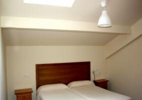 Dormitorio tipo buhardilla