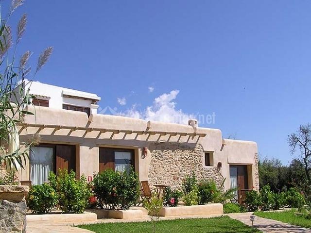 Agroturisme xarc en santa eularia des riu ibiza - Ibiza casas rurales ...