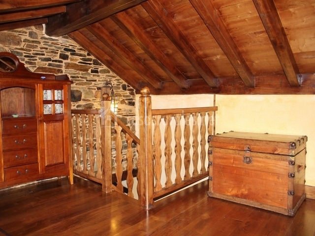 A carboira casas da lexa en taramundi asturias for Muebles buhardilla