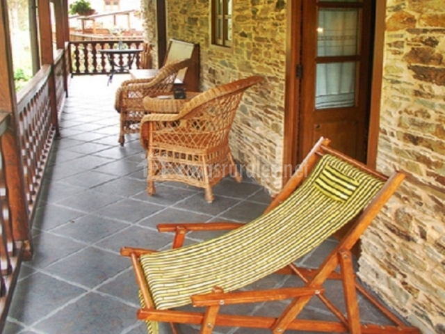 A carboira casas da lexa en taramundi asturias - Sillas de porche ...