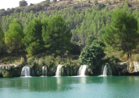 Zona de Lagunas de Ruidera con cascadas