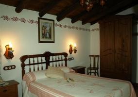 Dormitorio de matrimonio y mobiliario