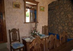 Parte del salón de la casa rural