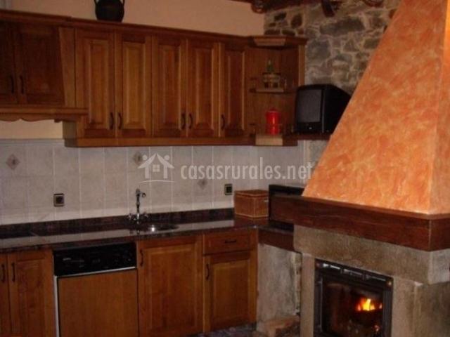 La ferrer a i en santa eulalia de oscos asturias - Chimeneas santaeulalia ...