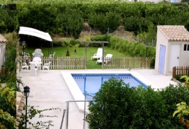 Casas rurales con piscina en mula for Casas vacacionales con piscina