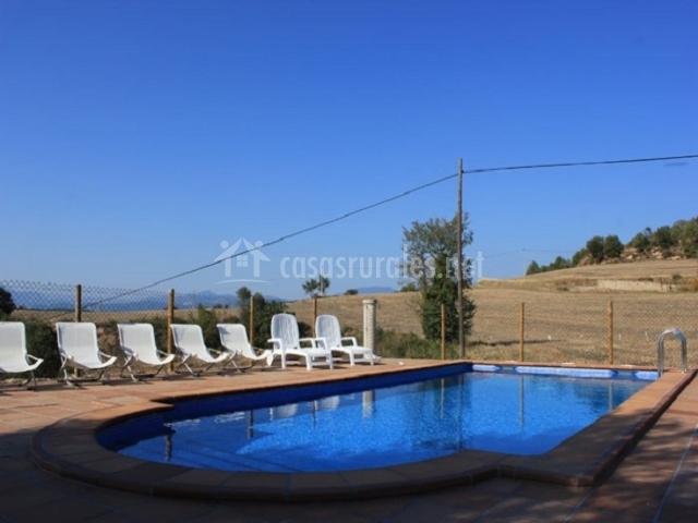 Casa ventoldra casas rurales en castellar de la ribera for Hamacas de piscina
