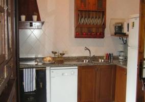 Cocina con lavavajillas