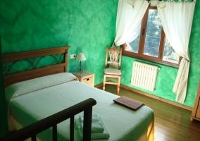 Dormitorio verde de matrimonio