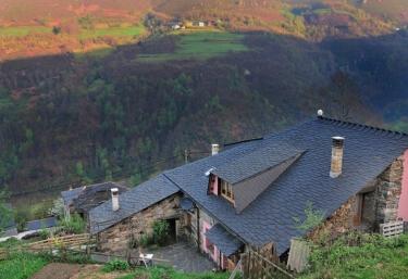 Casas rurales con chimenea en monon for Casa rural con chimenea asturias