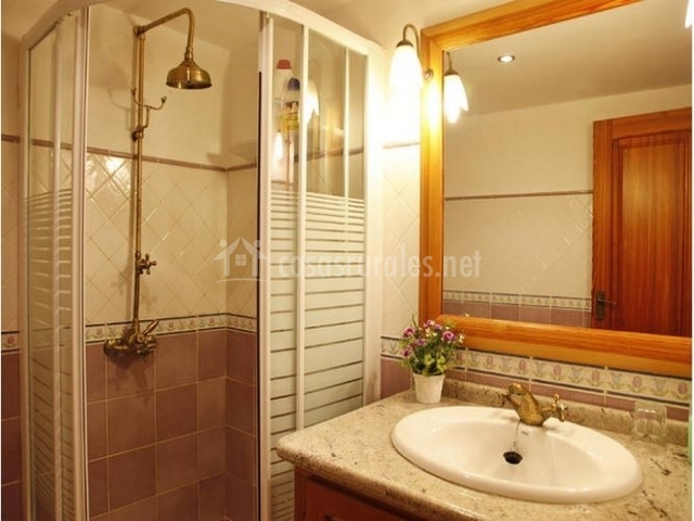 Casa rural rosa casas rurales en cabanes castell n for Espejo ducha