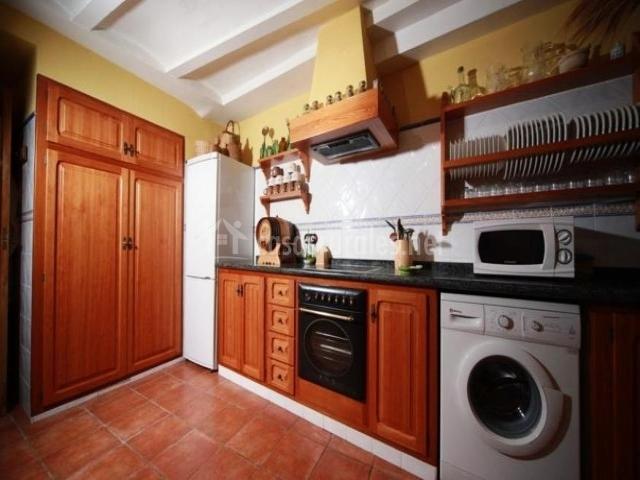 Casa rural rosa casas rurales en cabanes castell n - Lavadora en la cocina ...