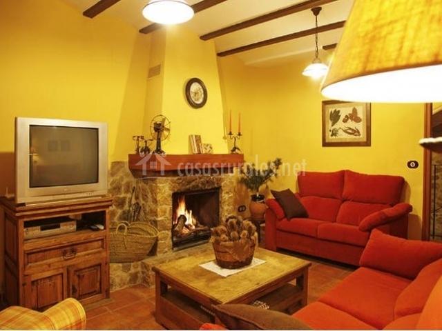 Casa rural rosa en cabanes castell n - Chimeneas en castellon ...