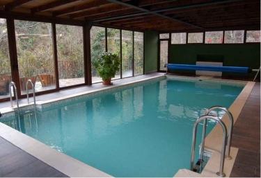 Hoteles rurales en picos de europa for Jacuzzi interior barato