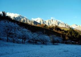 Los Picos de Europa en invierno desde Camaleno