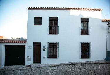 La Fonda del Castillo - Cumbres De San Bartolome, Huelva