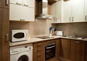 Sala de estar y cocina al lado