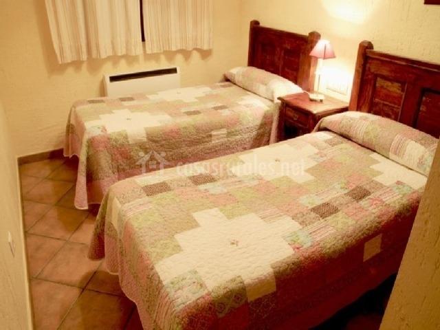 Dormitorio con calefacción incluida